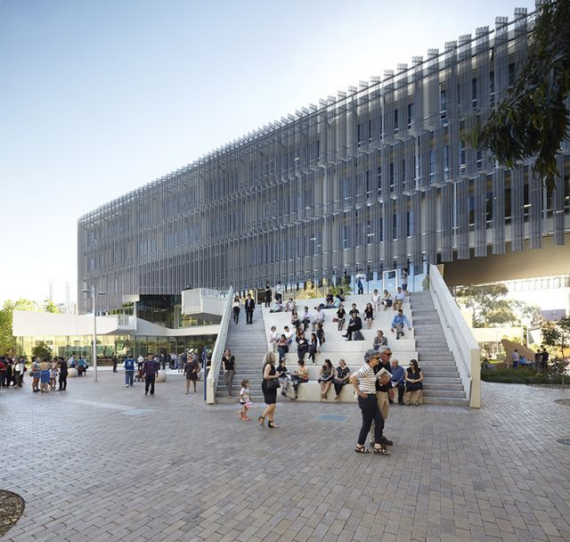 MDS - east facade - steps used as social area (morning sun)