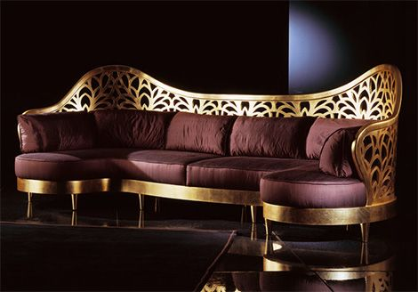 Italian Majestic Sofa | A fantastic italian design with the color purple, that shows lust and beauty | www.bocadolobo.com | #italiadesign #luxurydesign