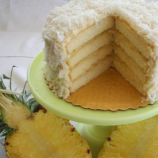 Piña Colada Pineapple Rum Cake