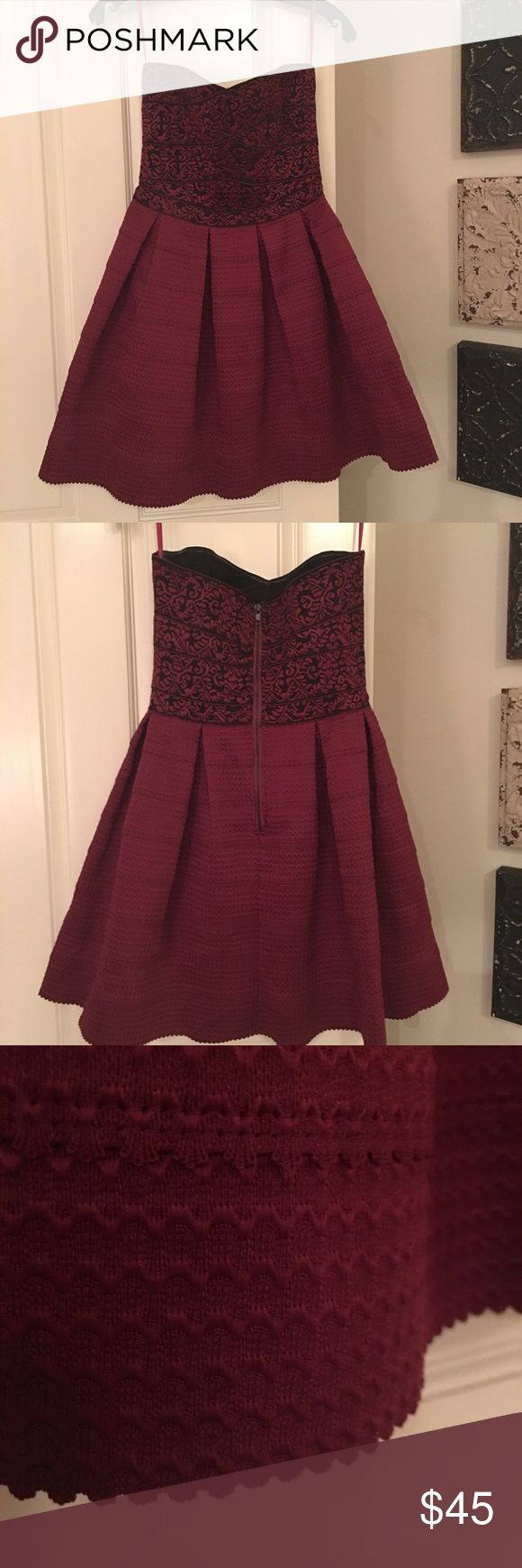 💃🏻Gorgeous strapless evening/prom dress💃🏻 Miami burgundy brocade bustier with solid skirt. Boning in top gives snug fit. Pleated skirt has scalloped detailed hem. Perfect for that fun dressy night! Size small (2-4). Worn once. Miami Dresses Prom