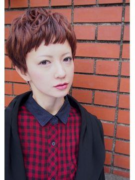 ■ Joule hair ■ プツンとした前髪とチェリーピンクのカラーが可愛いベリーショートスタイル。あえて重めにカットしたザクザクの束感がポイント。 http://beauty.hotpepper.jp/slnH000268109/