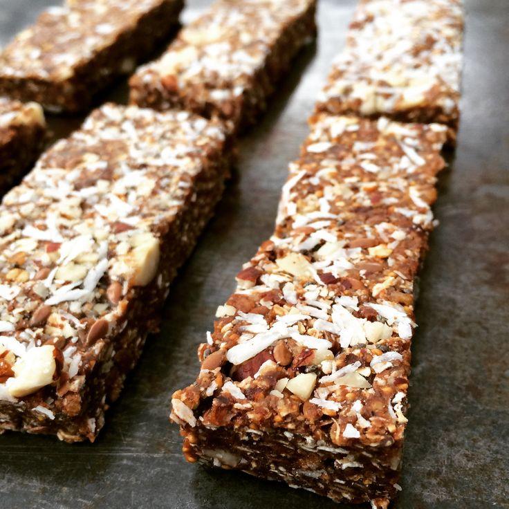 Deze raw havermoutrepen zijn ideaal als snack. Leuk om te maken en je kunt eindeloos variëren en experimenteren.