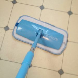 e-cloth Mini Deep Cleaning Mop Review & Giveaway! ⋆ ChinUpMom