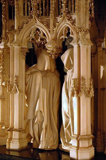 16. Detalle de la tumba de Felipe II el Atrevido. Claus Sluter. Museo de Bellas Artes de Dijon. Francia.
