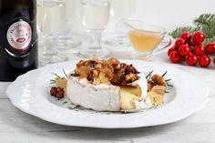 Brie al forno con rosmarino, noci e gelatina di Prosecco