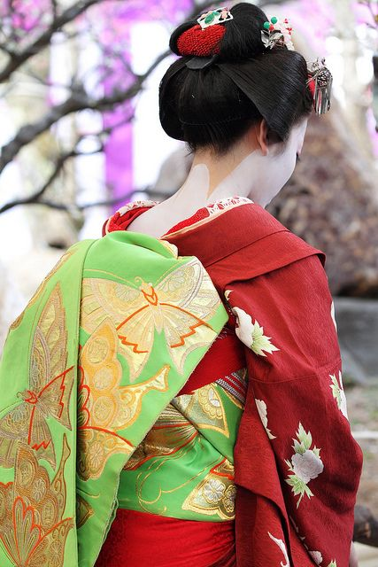 Maiko, obi with golden butterfli