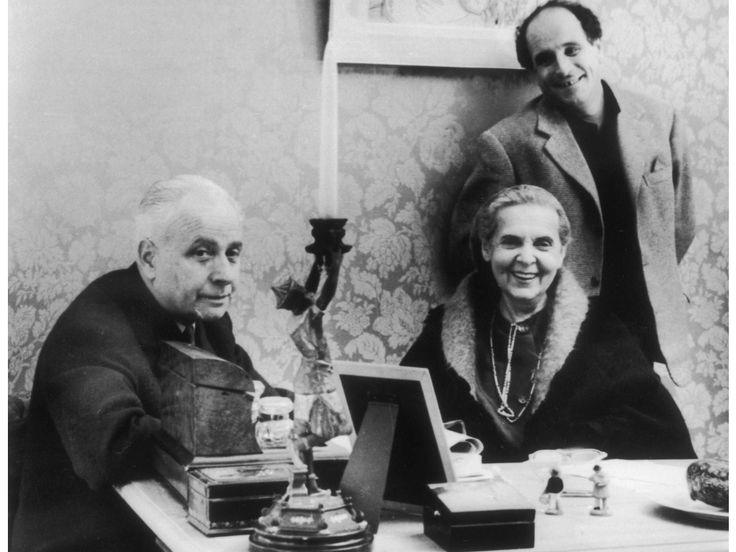 Louis Aragon, Elsa Triolet et Léo Ferré vers 1957 (©L'Humanité-Keystone-France)