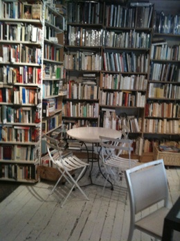 Memoranda à Caen (second hand bookstore with a beautiful cafe with wonderful cakes)-- my favorite place in the whole damn world