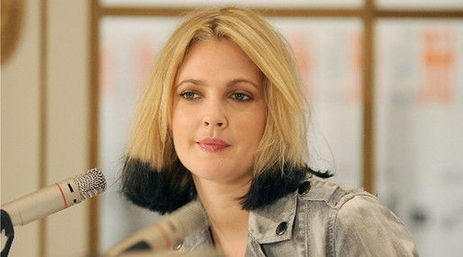 20 kändisfrisyrer vi aldrig vill se igen: Drew Barrymore  http://nyheter24.se/modette/skonhet/776190-20-kandisfrisyrer-vi-aldrig-vill-se-igen  Horrible celeb hair