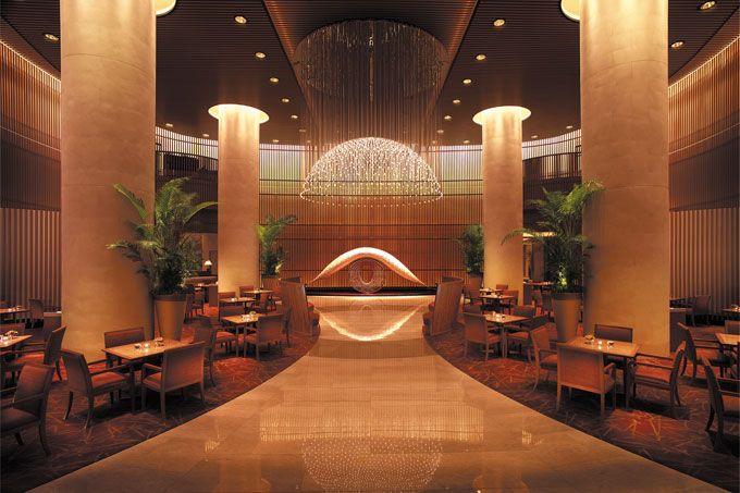 The Peninsula - lobby Virtuoso - The Peninsula Tokyo - Japan & Luxury Travel Advisor – luxurytraveltojapan.com - #Luxuryhotels #Tokyo #Japan #Japantravel #peninsulatokyo