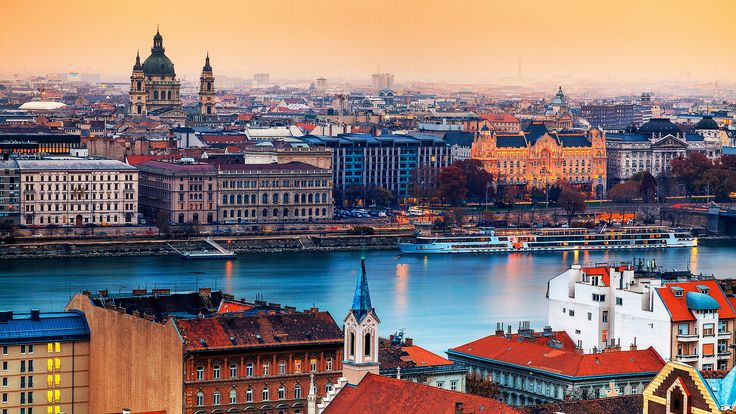 3 countries. 3 cities. 5 days - Vienna, Budapest, Bratislava A travel adventure that will guarantee you wonderful memories and countless pictures #trivo