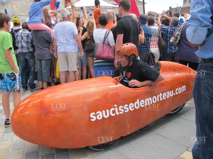 Un vélo rigolo pour faire la promo de la saucisse de Morteau
