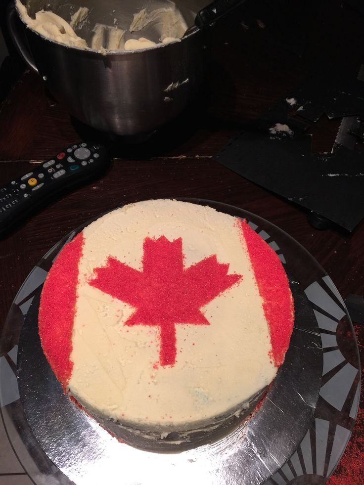 Canada cake with surprise
