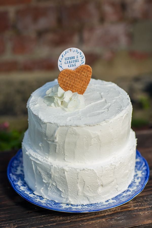 Beautiful Delft Blue Wedding Ideas384 best Delft  Toile or China Blue Wedding images on Pinterest  . Real Simple Wedding Cakes. Home Design Ideas