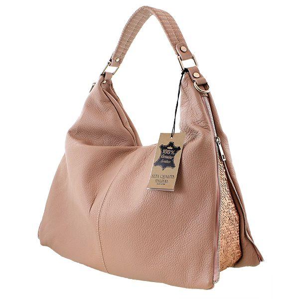 La borsa che vedete qui, fa parte della linea Paillette bags che è stata appena lanciata sul mercato ma che è diventata in pocho tempo uno dei modelli di punta della My-Best. Questa borsa in vera pelle è caratterizzata da un'apertura a zip e da un manico in pelle dello stesso colore della borsa; all'interno è presente un comodo taschino. La borsa è meravigliosa nelle sue cromature e le paillettes accendono il sorriso in chi la indossa. #bag #bags #paillettebag #paillettebags #mybestbag