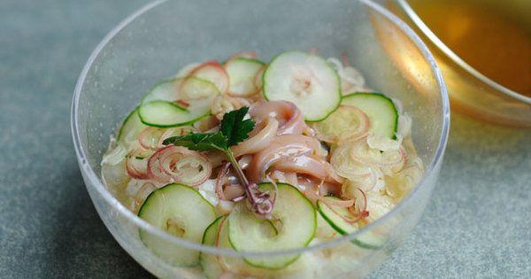 塩辛のコクのある旨みに、澄んだだしの味わいがマッチ|『ELLE a table』はおしゃれで簡単なレシピが満載!