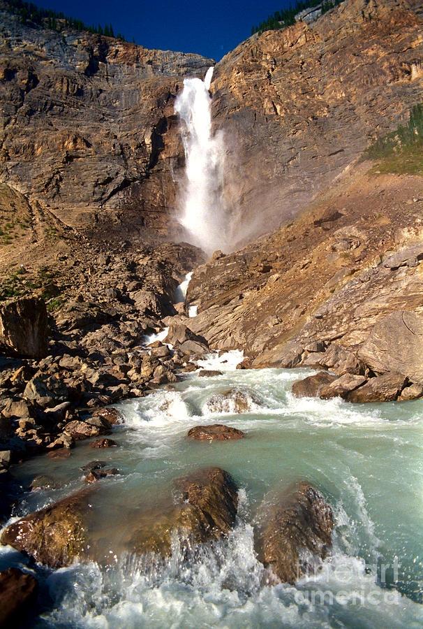 Takakkaw Falls in Yoho National Park - Canadian Rockies: Geyser, Canadian Rocky, Yoho National, Cascadas Waterfalls, Wonder Waterfalls, National Parks, Water Fall, Ahhhhhh Beautiful Places, Takakkaw Fall