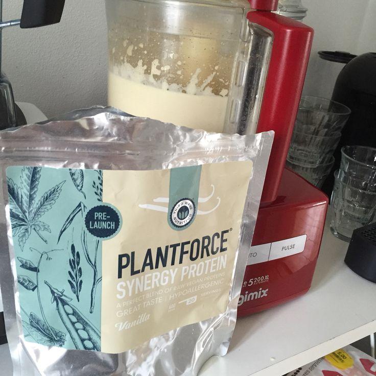Prepping protein pancakes #plantforce #sunderfedt