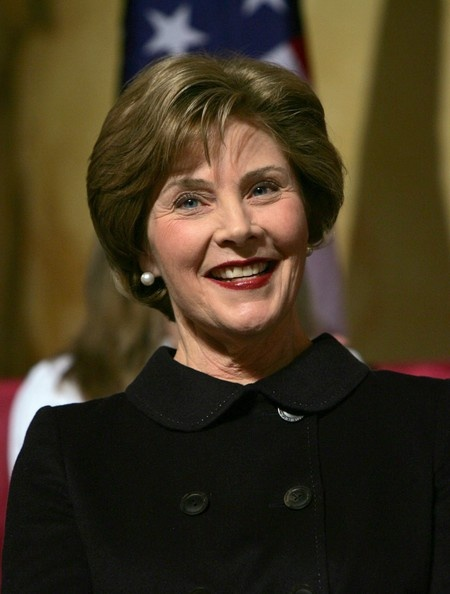 (AFP OUT) First Lady Laura Bush smiles at the Republican Governors Association February 25, 2008 in Washington, DC.  (February 25, 2008