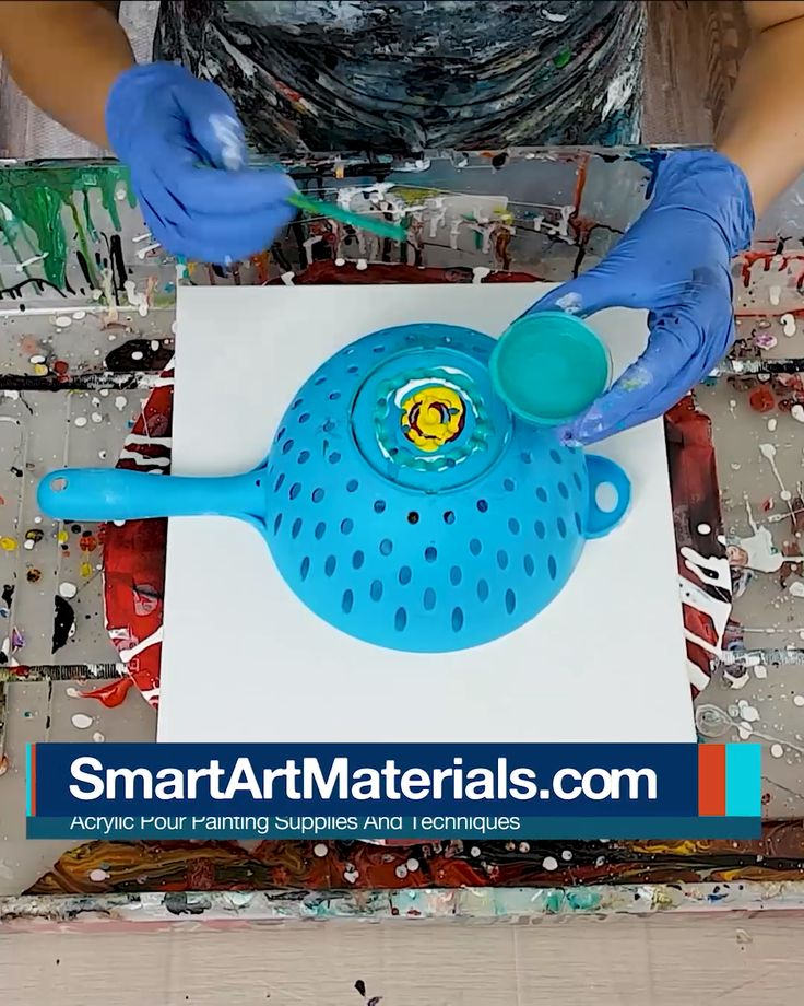 Acrylic Pouring Flower Art with a REVERSED Colander Pour Technique. Check out fu… – Malen