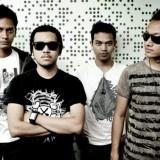 Garasi adalah grup band yang terbentuk pada akhir tahun 2005. Dengan formasi Higin Ayuga (Vokal), Fedi Nuril (Gitar), Wembri Arlistha (Bass), dan Aries Budiman (Drum).