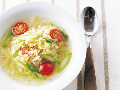 飛田 和緒 さんの塩キャベツを使った「塩キャベツのスープ」。ベーコンのうまみをベースにした野菜スープ。しんなりした塩キャベツは加熱時間が少なくてすむので、手早くできます。 NHK「きょうの料理」で放送された料理レシピや献立が満載。