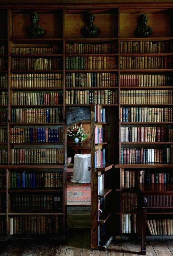 A library with secret door.  LOVE.: Libraries, Books, Hidden Room, Secret Passage, Dream House, Secret Doors, Secret Rooms