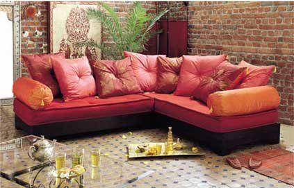 Comment décorer son salon dans un style oriental ? // http://www.deco.fr/deco-style/decoration-style-oriental/actualite-518353-comment-decorer-salon-style-oriental.html
