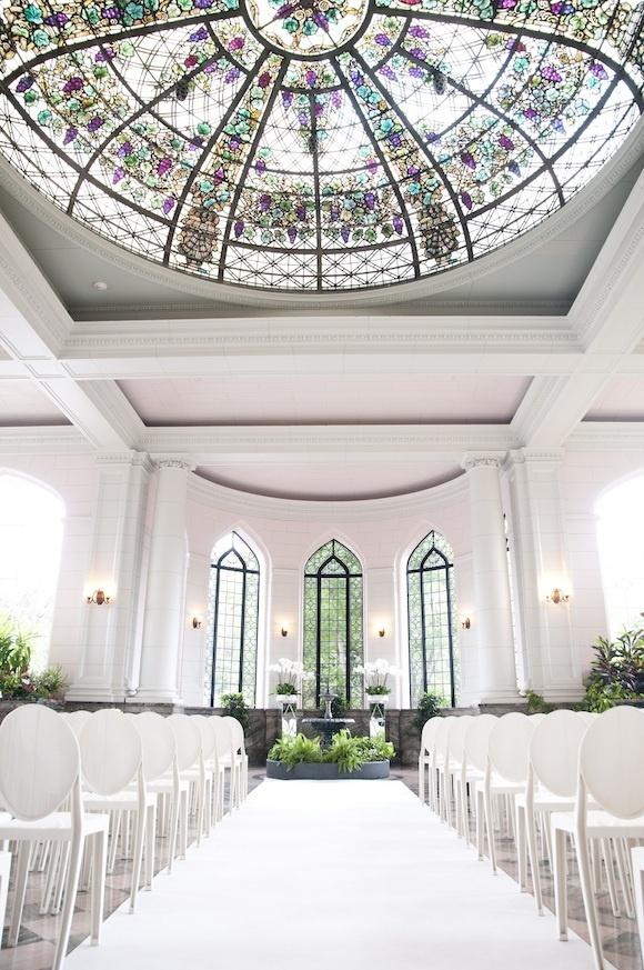 white wedding at Casa loma