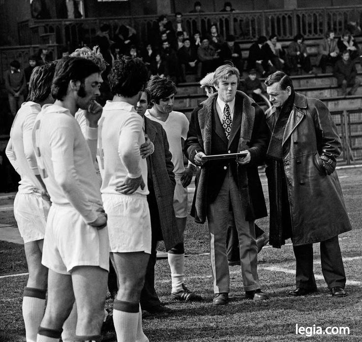 Fot. EUGENIUSZ WARMIŃSKI  Trenerzy Legii z lat 70. - Jacek Gmoch i Kazimierz Górski. Bokiem Kazimierz Deyna, obok Gmocha Lesław Ćmikiewicz.