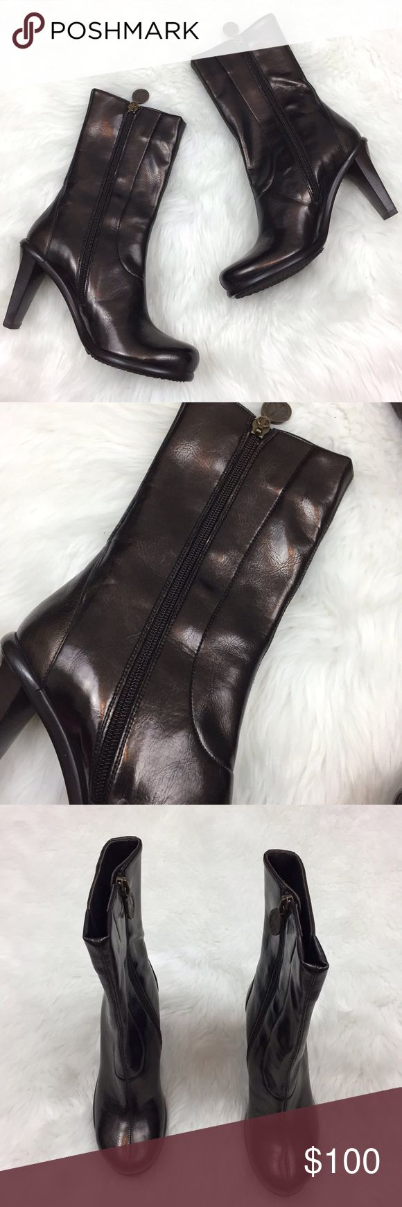 🇺🇸Donald J. PLINER Brown Metallic Heeled Boots Donald J. PLINER Women's Brown Metallic Zip-up Heeled Boots Size 6.5  This has been gently worn with no major flaws.  This comes with the original box. Please refer to photos for more details. Donald J. Pliner Shoes Heeled Boots