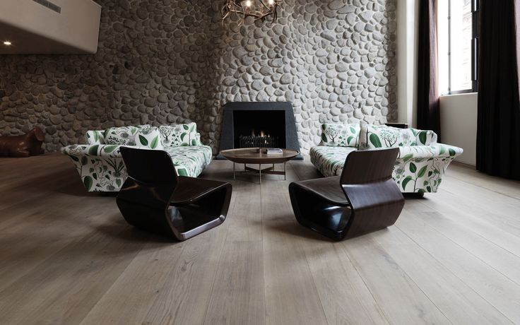 Solid flooring provide an ideal for almost any decorating style, and are renowned for their warmth and elegance.
