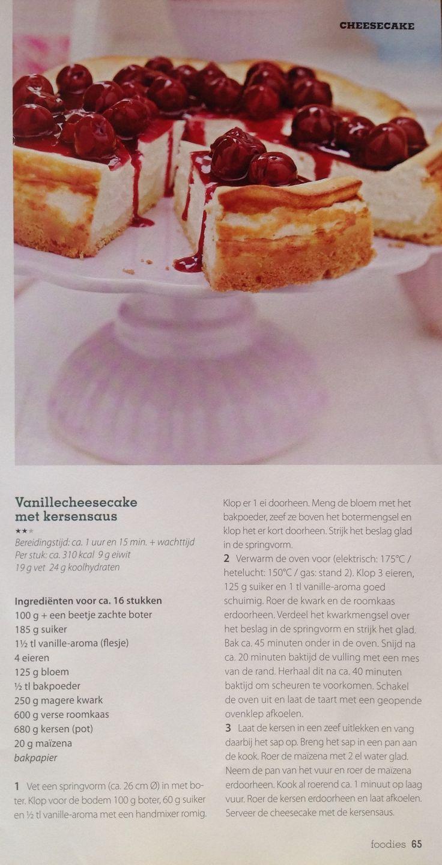 Vanille cheesecake met kersensaus