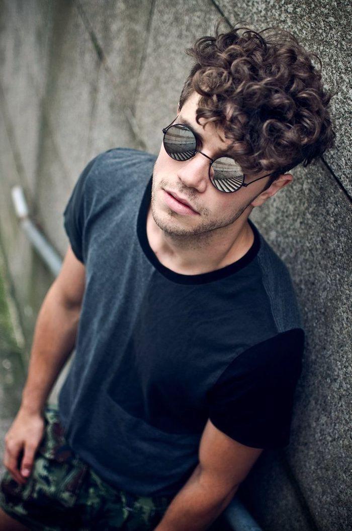1001 Ideen Fur Undercut Die Top Frisur Fur Manner Im 2017 Herrenfrisuren Lockige Haare Lockige Frisuren