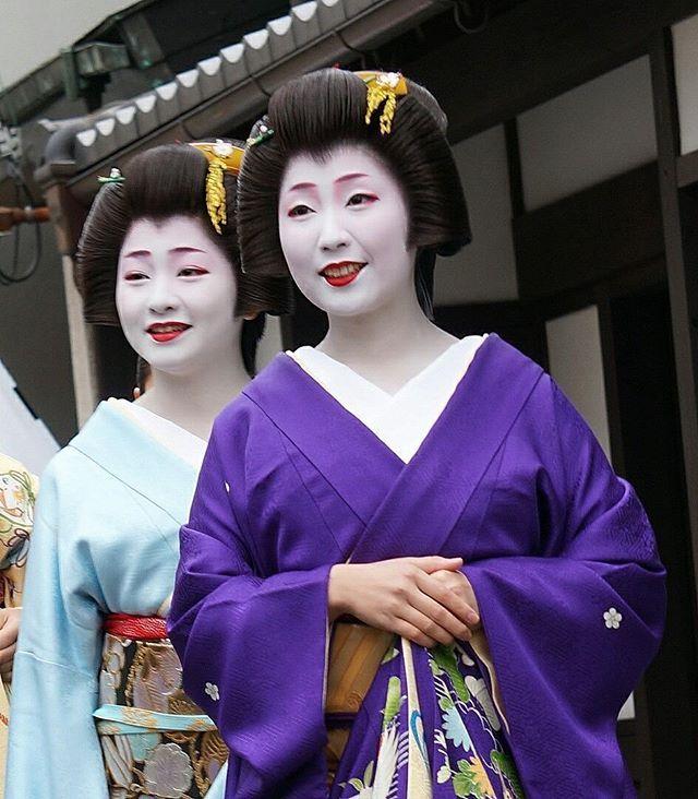 Geiko of Gion Kobu #kyoto #gion #geiko #kimono #gionkobu #京都 #祇園 #芸妓 #着物 #日本髪 #祇園甲部