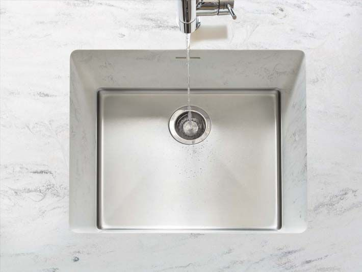 Undermounted Sink Sparkling 613 Corian Seamless Undermount