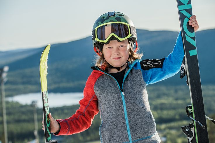 """Place the ReimaGO sensor to this ReimaGO hoodie """"Lively"""", and start motivating and rewarding your kids' outdoor activity."""