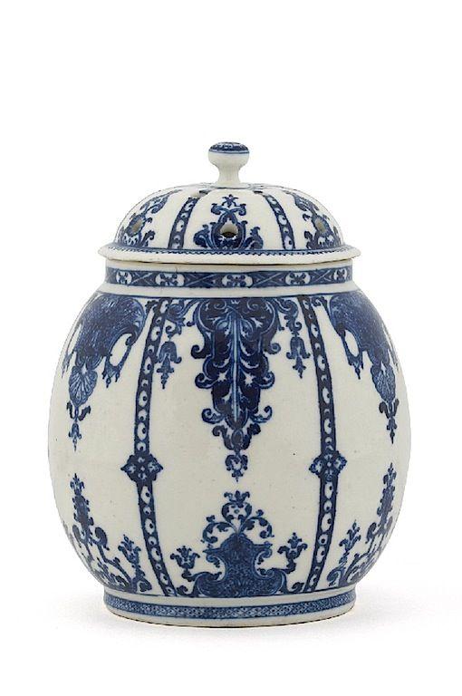 Porcelaine de Saint-Cloud - blue and white chinoiseries-et-pots-pourris
