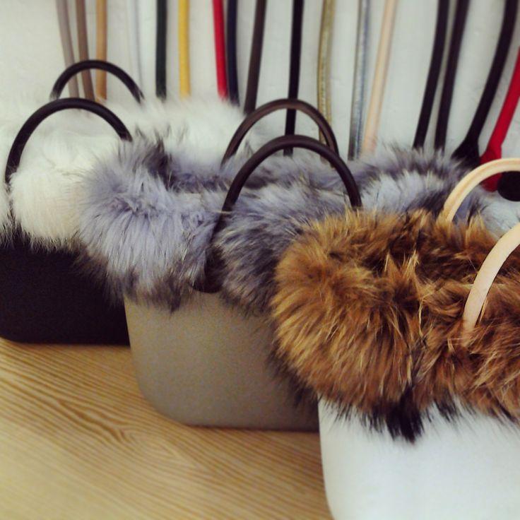 Obag + piel,elegantes en invierno. ;)