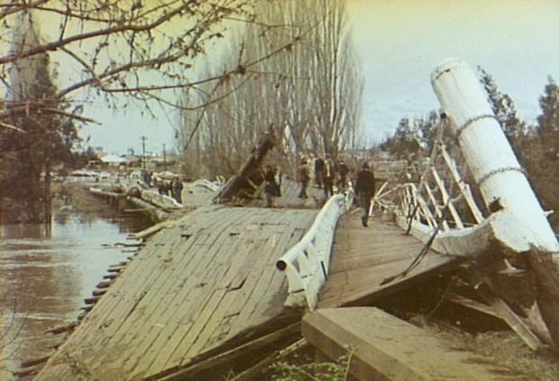 Camden NSW Cowpasture Bridge damaged in 1975 flood. Copyright: Camden Historical Society.