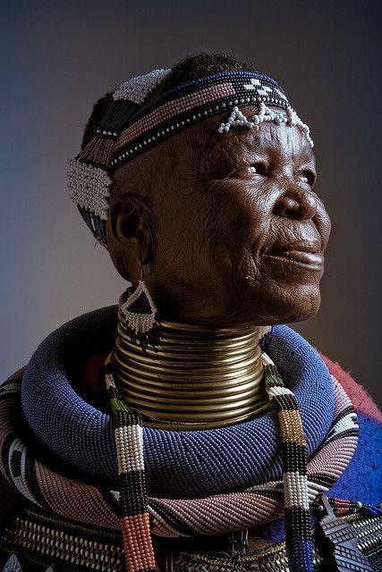 gillsant: África    Esther Mahlangu by daniel_malva on Flickr.