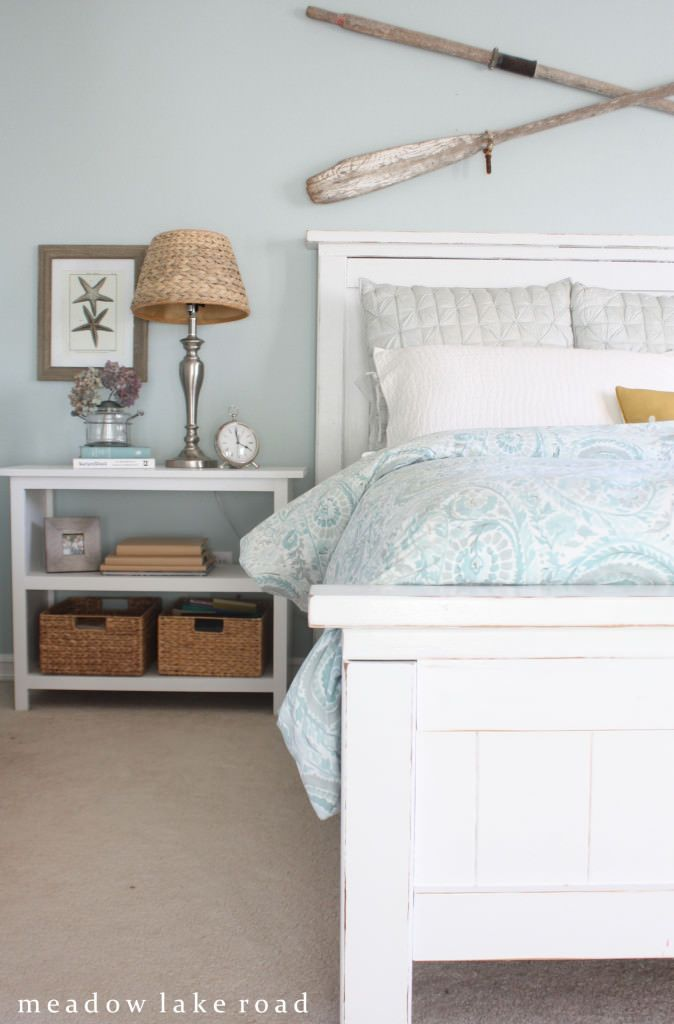 20 Beautiful Guest Bedroom Ideas From Coastal To Bohemian I Really Love The Check Sots Of Bedroom Decor Ideas For Me In 2020 Guest Bedrooms Guest Bedroom Home Bedroom