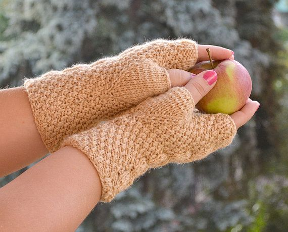 Knitted mittens/gloves beige color by DosiakStyle on Etsy