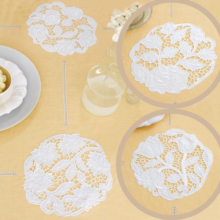 4 Centri - Lino Disegnato.   Lino bianco disegnato per realizzare i 4 centri tondi ricamati ad intaglio e punti vari con motivo fiori