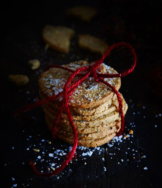 The savourty side of Christmas crackers: Oat, pistachio and cumin crackers
