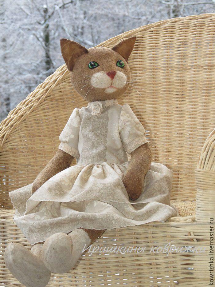 Купить Кошка барышня - кошка в платье, кошка игрушка, кошка тедди, кошка текстильная
