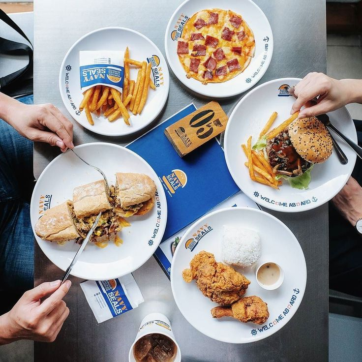 NAVY SEALS semacam fast food tapi... Ada tapinya.. Simak review lengkapnya di blog gw ya:  http://bit.ly/navysealsreview  Clickable from my IG profile too   Have a delicious meal everyone   #inijiegram #food #TableToTable #kuliner #culinary #handsinframe