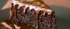 Κέικ+με+μαύρη+ζάχαρη,+γιαούρτι+και+γλάσο+σοκολάτας