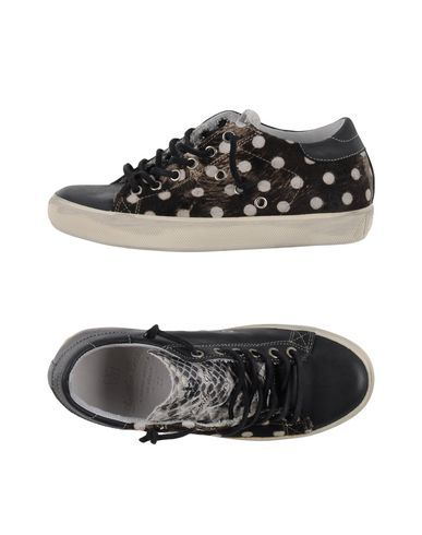 ¡Cómpralo ya!. LEATHER CROWN Sneakers & Deportivas mujer. estampado de serpiente, logotipo, estampado multicolor, cierre con cordones, puntera redonda, interior de cuero, suela de goma, sin tacón, composición con partes de origen animal pero no textil , deportivas, sport, deporte, deportivo, fitness, deportivos, deportiva, deporte, trainers, sporty, plimsoll, sportschuhe, tenis, chaussuressportives, sportive, deportivas. Deportivas  de mujer color negro de LEATHER CROWN.