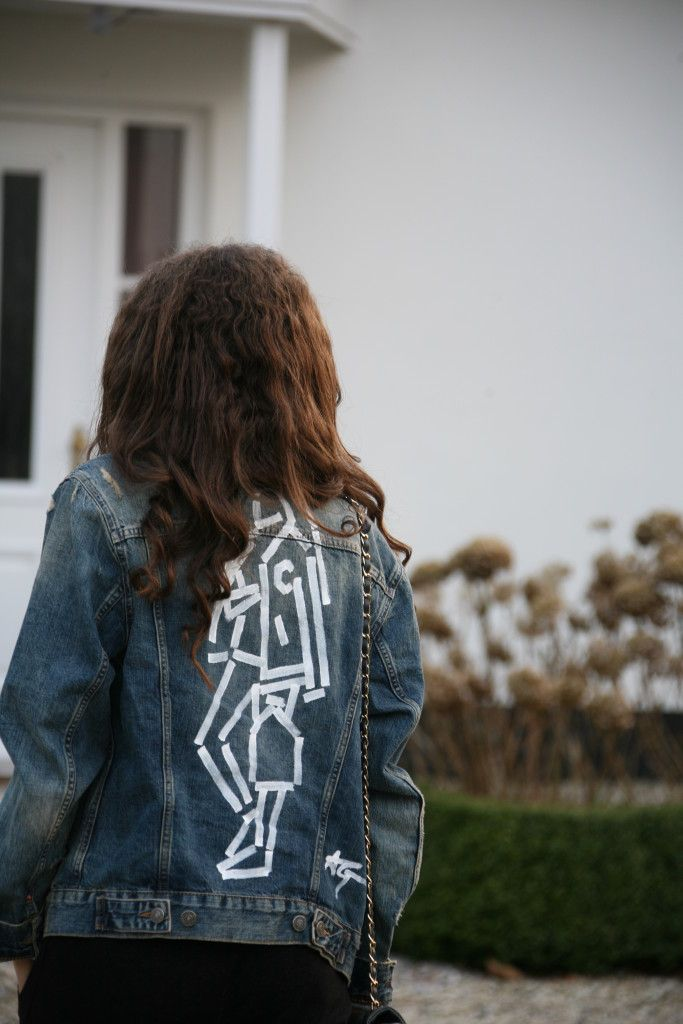 Denim and Supply - LAURENCE MAGALY Denim jackets, inspiration and more on my blog! Demim is really on trend at the moment and a Denim jacket is such a nice piece to wear and combine with different looks! :)